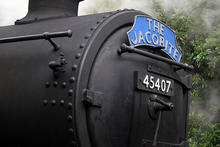 the_jacobite_steam_train_180